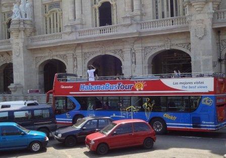 hop on and off bus havana cuba